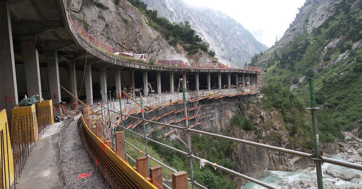 Die Sanierung der Gotthard-Passstraße verläuft bisher im Takt- trotz einiger Herausforderungen