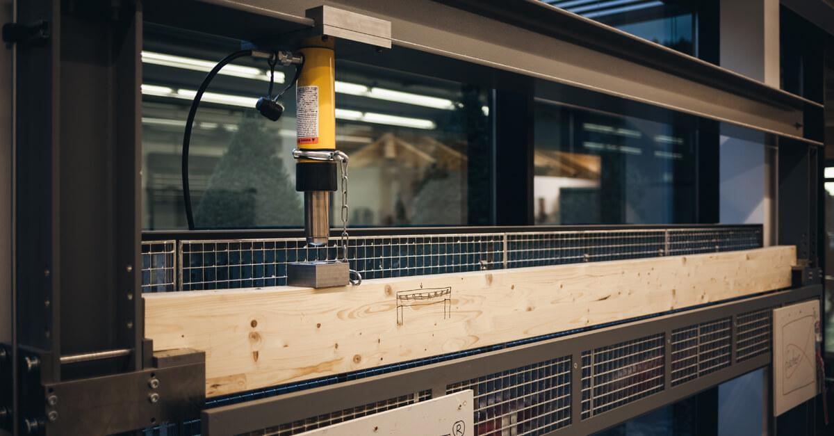 Wir testen, wie du mehr Tragfähigkeit für deinen Holzbalken bekommst