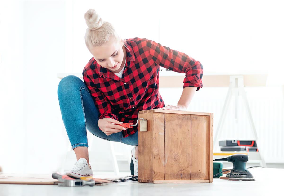 Ein DIY-Regal sollte nicht nur sicher befestigt werden, sondern auch einen hochwertigen Look haben.