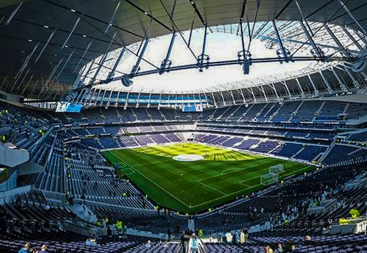 Dave Minton, Leiter des technischen Vertriebs von fischer Großbritannien, der das Bauprojekt des neuen Tottenham Hostpur Stadium geleitet hat.