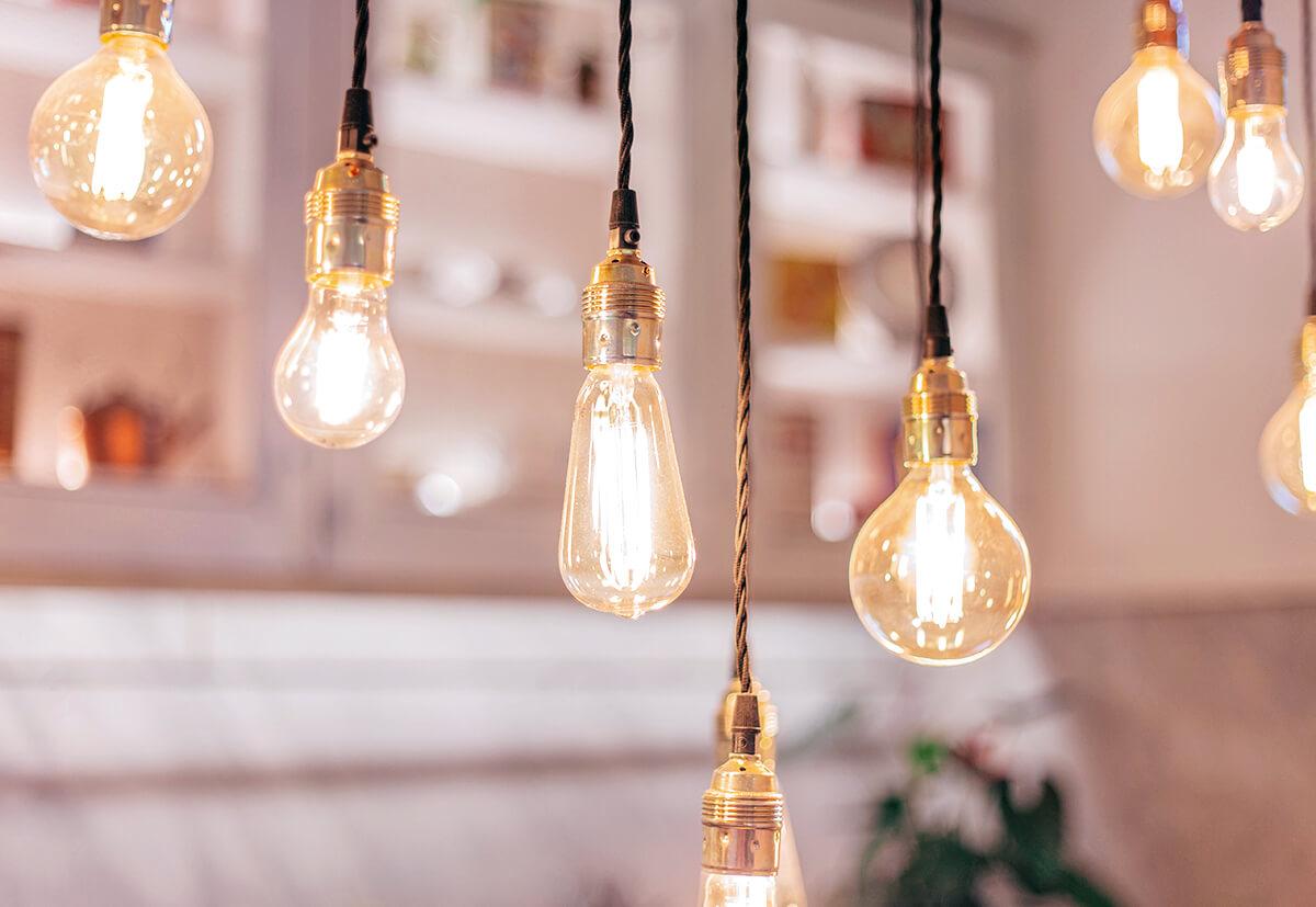 DIY-Leuchten sind zur Zeit voll im Trend.