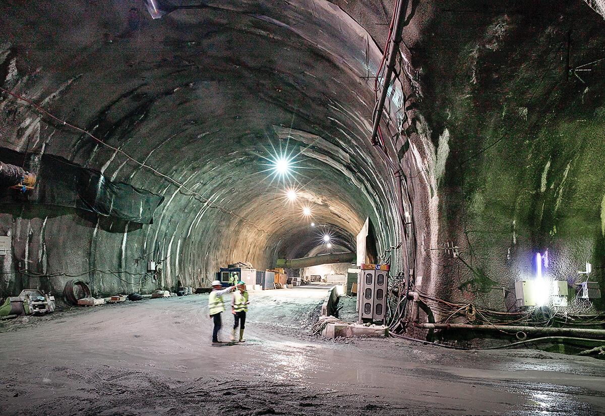 Der Brenner Basistunnel stellt einen Weltrekord auf. Inklusive der bereits bestehenden Umfahrung von Innsbruck wird er mit 64 km der weltweit längste Tunnel sein