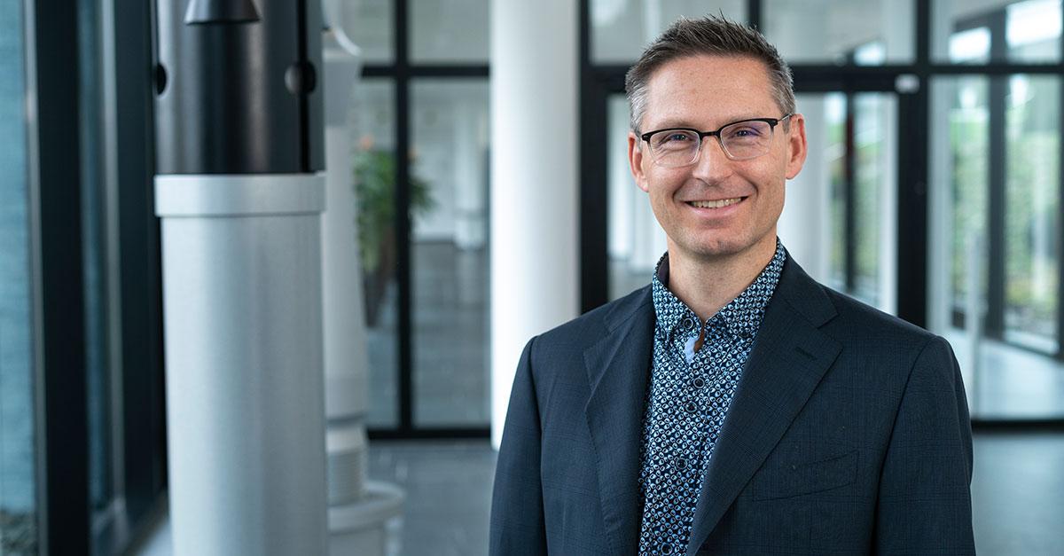 Dr. Thilo Pregartner ist Bereichsleiter Gremienarbeit und Technologietransfer beim Befestigungsspezialisten fischer.