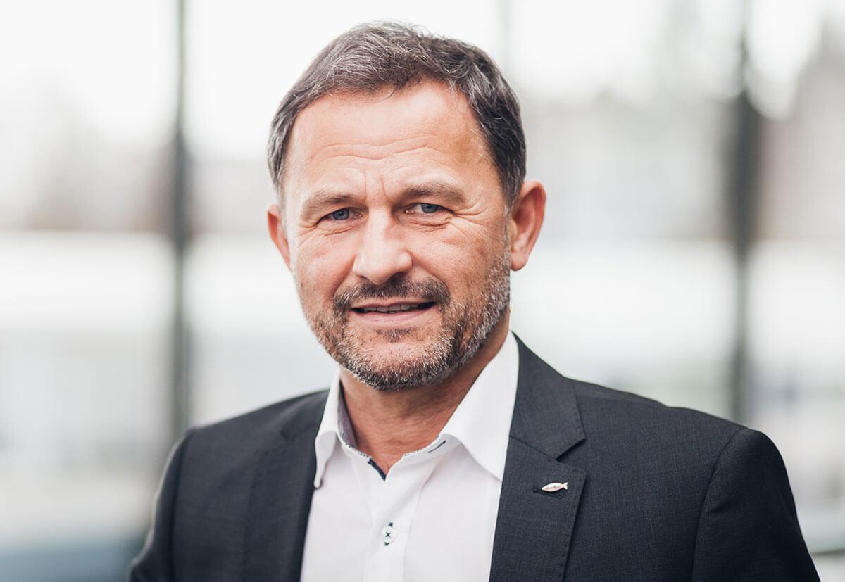 Torsten Kühnert ist Diplom-Ingenieur und Leiter des technischen Außendiensts bei fischer.